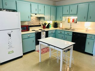 Piper's Flat, Cozy, Comfy & Sparkling Clean