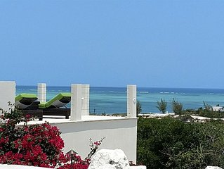 Best views on the island. 4BR with pool and Jeep!