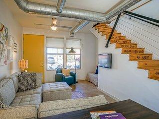 #2-Mount Condo · Urban! Art! 1bd1ba Condo near Old Town/Sawmill