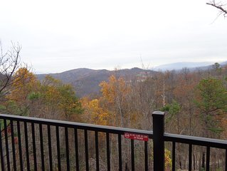 Reviews Matter! Mtn View! Newer Construction located btwn Gatlinburg & P. Forge