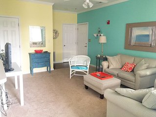 ADORABLE and COZY 2/2 condo East of Rt.1. 3 miles from downtown!