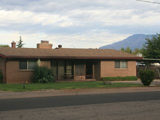 Zion Hurricane Home 5 Beds 3 Bdrms 2 Bathroom RV Space, Zion National Park