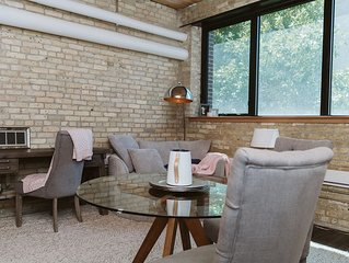 Urban Loft - Exchange District - (Parking Included)