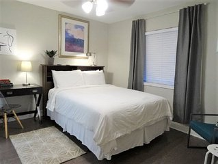 UAB APT. NEWLY RENOVATED 2 MIN WALKING to Dining +MORE