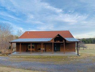 Gorgeous Lodge-style Farmhouse with Mountain Views