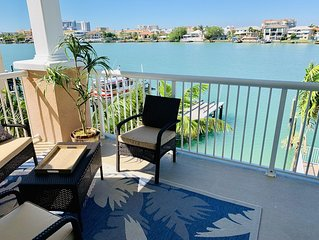 Brand New, Beautiful and Specious Waterfront Condo! 10 min Walk To The Beach!!