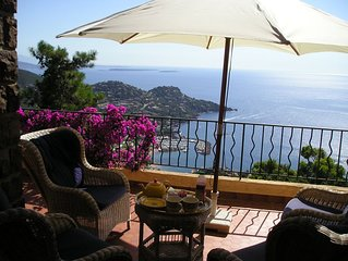 Charming villa with great views, large garden, heated pool and full privacy