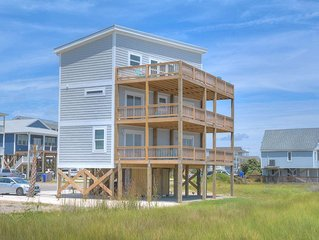 Beautiful,New,Oceanfront,5BR/3.5BA Home-Walk to Stores&Food-PETS-Sleeps11