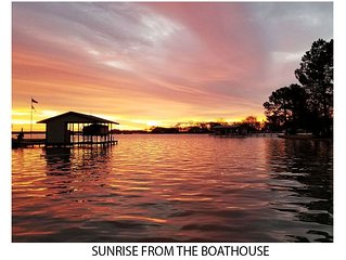 Start the year off right with a get-a-away to our waterfront 3/2 house.