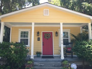 2+BR/2 Bath Historic District~ 7 bl to Downtown~20 mins to beach~SC IS OPEN!