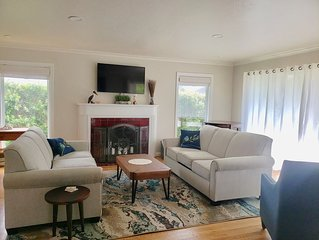 Great location! Near beach and across from golf course.