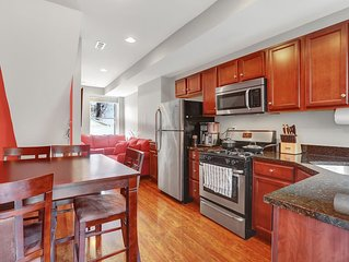 Newly Renovated Sunny Rowhome, Fells Point Walking Distance