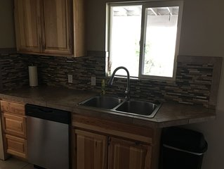 Home away from home. Clean and cozy 3 bedroom, 1 bath in Richland, WA