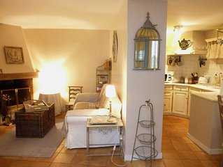 Lovely House In The Heart Of The Village (Sleeps 3)