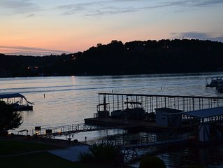 5 BR Lakefront Home w/ Dock Sleeps 14+ (Lake Rd 5-73 by Niangua Bridge)