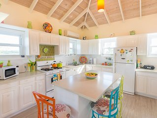 4 Bedroom - 92 steps from Grace Bay Beach/Coral Gardens