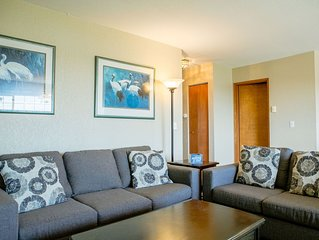 Rent 2 nites and get 1 free. Modern 2 Bdrm Condo W/ Fireplace In Center of Town