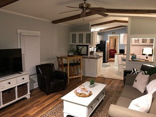 Close to Parris Island! Beaufort SC,  Newly Renovated 2 Bedroom 2 Bath Sleeps 6