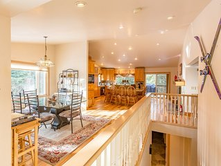 Beautiful Large 6 bedroom Lake Tahoe retreat with large entertainment areas