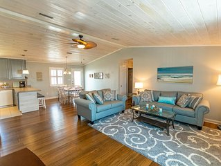 Beach House with great outdoor spaces- Boat Parking Available!