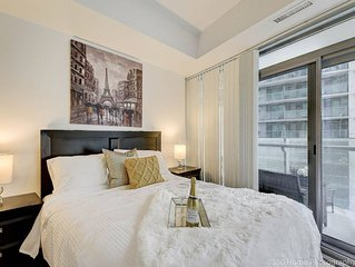 Instant Suites 2 BR with City View in ❤️ of Dtown w Parking