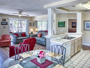 2 Bedroom/ 2 Bath Condo with 4 Beds and a sleeper sofa.  Perfect for Golfers and
