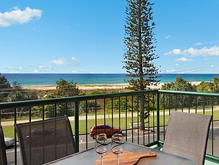 Boardwalk Pacific Unit 8 - On the Beachfront in Bilinga
