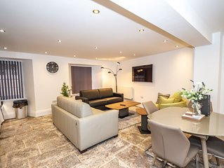 Luxury 2 bed lower grd floor apartment*Sandringham
