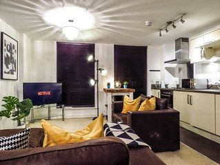 Spacious and carefully designed 2 Bedroom apartment with free parking