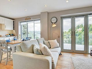 Beautiful luxury apartment located in the tranquil village of Kingswear.