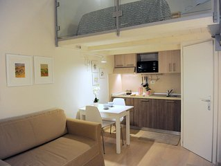 Giglio apartment in Oltrarno with WiFi & integrated air conditioning.