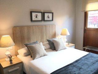 Ribera by Forever Rentals. Apartamento de 3 dormitorios con wifi. Casco Viejo