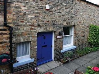 Platone Cottage - Two Bedroom House, Sleeps 4