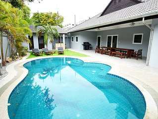 Luxury 4br Pool Villa W/bbq Billiards And More!