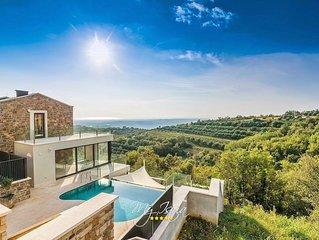 Beautiful villa with pool near Umag
