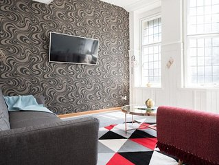The College Green Chalet - Stylish 3BDR Apartment in Historic Building