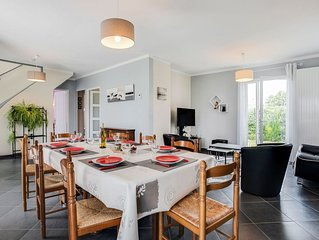 Lovely apartment for 8 guests with WIFI, TV, pets allowed and parking