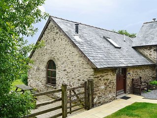 From £11.50 pppn. Delightful spacious barn conversion in Exmoor National Park. P