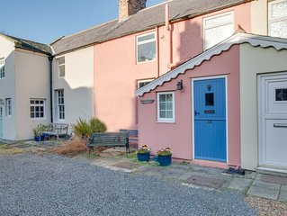 Lobster Pot Cottage - One Bedroom House, Sleeps 2