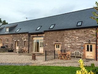 Cynfin Barn - Three Bedroom House, Sleeps 6