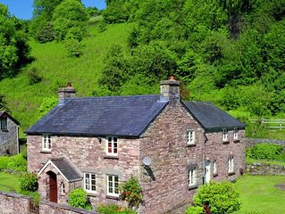 Cwm Bach Farm - Four Bedroom House, Sleeps 7