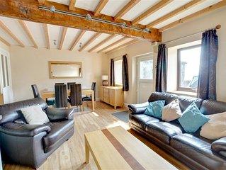 Weavers Cottage - Two Bedroom House, Sleeps 4