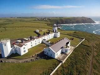 Longship - a two bedroom, one bathroom lighthouse cottage property in the deligh