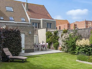 Vintage Villa in Knokke-Heist Near Beach