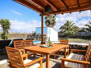Villa Luz apartment in Lajares with WiFi, private parking, private terrace & pri