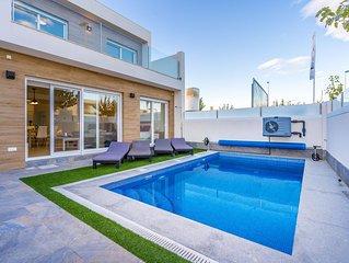 Villa maravillosa en San Pedro del Pinatar, Murcia, España  con piscina climatiz
