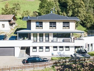 Luxurious Apartment near Ski Bus Stop in Mayrhofen