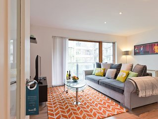 Gallery Quay - One Bedroom Apartment, Sleeps 4