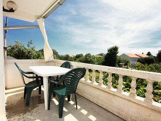 Three bedroom apartment with terrace and sea view Kampor (Rab) (A-5014-a)