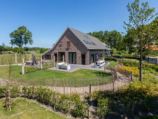 Very luxurious holiday home in beautiful Zeelandic style, suitable for 7 people
